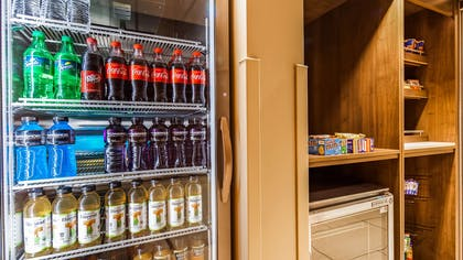 Sundry Shop | Best Western Plus At Lake Powell