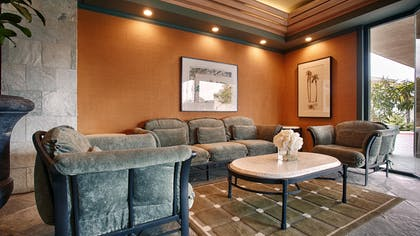 Lobby | Best Western Encinitas Inn & Suites at Moonlight Beach