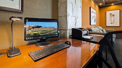 Business Center | Best Western Encinitas Inn & Suites at Moonlight Beach