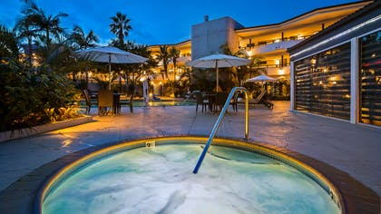 Outdoor Hot Tub | Best Western Encinitas Inn & Suites at Moonlight Beach