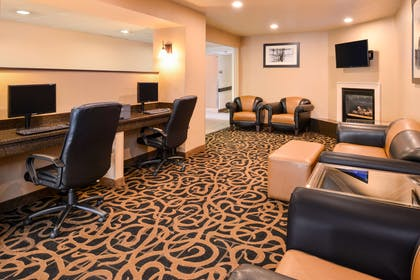 Lobby | Best Western Executive Inn & Suites