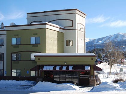 Our award winning Best Western is on the free shuttle route to Winter Park Resort.   Best Western Alpenglo Lodge