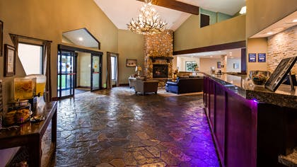 Lobby view | Best Western Plus Eagle Lodge & Suites
