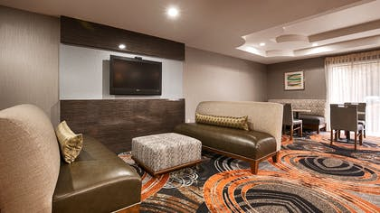 Back Lobby Seating | Best Western Southside Hotel & Suites