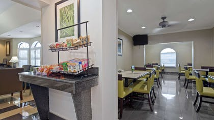 We provide a complimentary full breakfast during each morning of your stay. We rotate an assortment of both and hot cold items and have choices for everyone. | Best Western St. Augustine Beach Inn