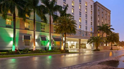 Street View Night | Best Western Premier Miami Intl Airport Hotel & Suites Coral Gables