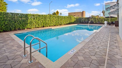 Pool | Best Western Premier Miami Intl Airport Hotel & Suites Coral Gables