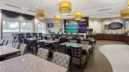 Restaurant Seating | Best Western Premier Miami Intl Airport Hotel & Suites Coral Gables