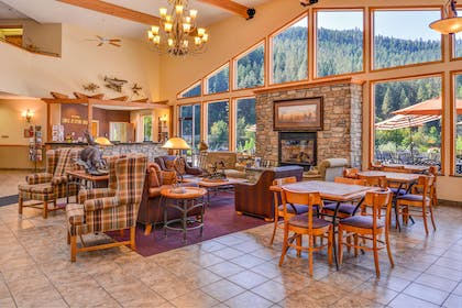 Relax and enjoy our lobby fireplace | Best Western Lodge At River's Edge