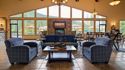 Begin your stay in Orofino at the Best Western Lodge at River's Edge and enjoy an unforgettable visit.... starting right from our lobby! | Best Western Lodge At River's Edge