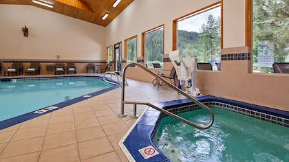 Take a well-deserved break in our relaxing hot tub. | Best Western Lodge At River's Edge