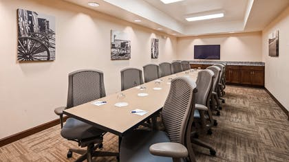 Meeting Room | Best Western Plus Green Mill Village Hotel & Suites