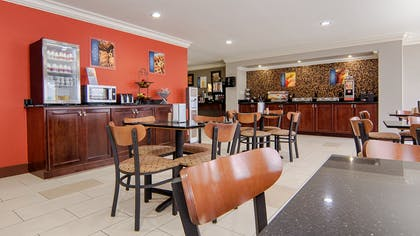 Breakfast Seating Area | Best Western Isabelle Court