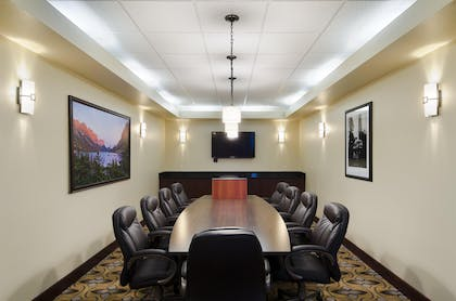 Meeting Room | Best Western Shelby Inn & Suites