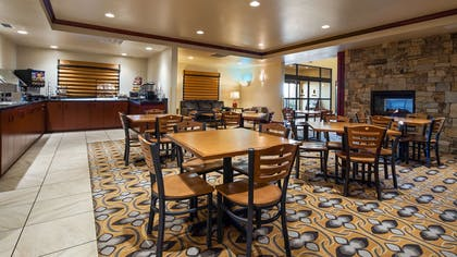 Breakfast Area | Best Western Shelby Inn & Suites
