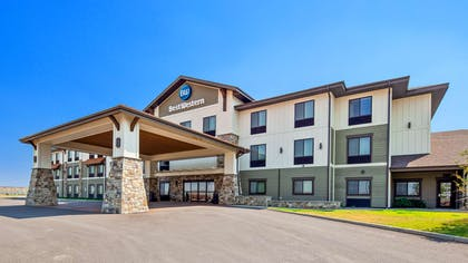 Exterior | Best Western Shelby Inn & Suites