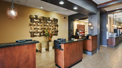 Lobby | Best Western Plus Williston Hotel & Suites