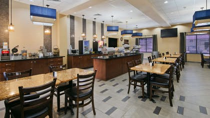 Breakfast Area | Best Western Plus Williston Hotel & Suites