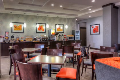 Breakfast Seating | Best Western Plus Coweta's 1st Hotel