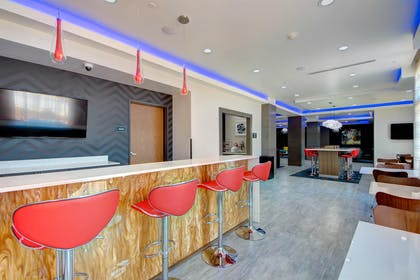 Bar/Lounge | Best Western Plus The Inn & Suites At Muskogee