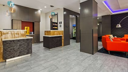 Front Desk | Best Western Plus The Inn & Suites At Muskogee