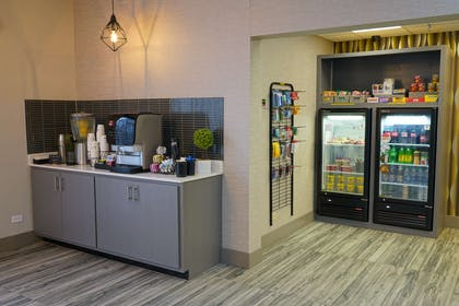 Beverage Center and Sundry Shop | Best Western Plus Morristown Conference Center Hotel
