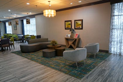 Lobby Seating | Best Western Plus Morristown Conference Center Hotel