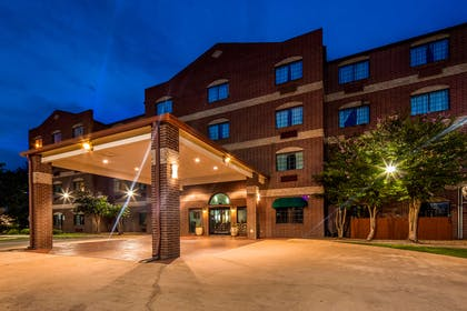Welcome to the Best Western Plus The Woodlands!   Best Western Plus The Woodlands