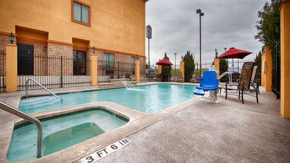 Pool | Best Western Plus Schulenburg Inn & Suites