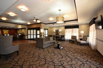 Hotel Lobby | Best Western Plus Classic Inn & Suites