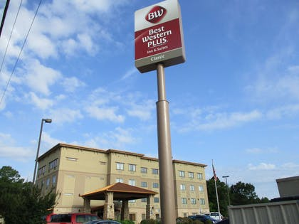 Exterior Sign | Best Western Plus Classic Inn & Suites