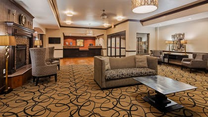 Front Desk and Lobby | Best Western Plus Classic Inn & Suites