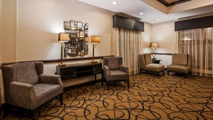 Lobby | Best Western Plus Classic Inn & Suites