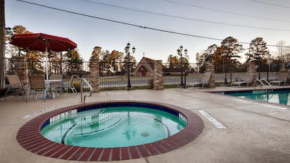 Hot Tub | Best Western Plus Classic Inn & Suites