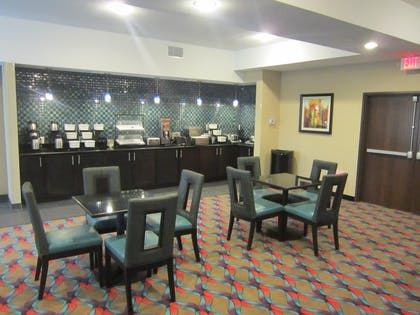 Restaurant | Best Western Plus Pleasanton Hotel