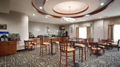 Breakfast Area   Best Western Plus Fort Worth Forest Hill Inn & Suites