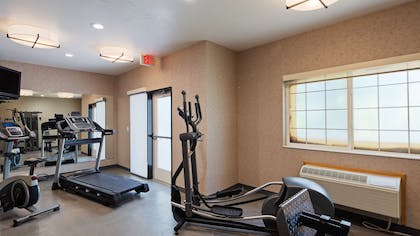 Fitness Center   BEST WESTERN Holiday Hills
