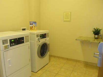 Guest Laundry Facility | Best Western Plus Landmark Hotel