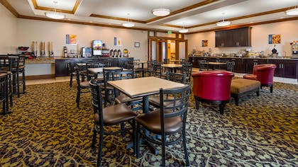 Breakfast Room | Best Western Plus Landmark Hotel