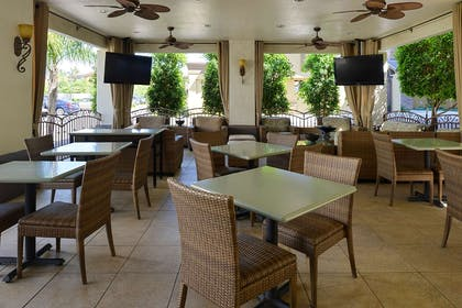 Tempe Covered Seating | Red Lion Inn & Suites Phoenix Tempe