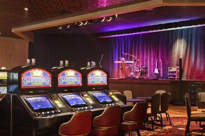 Show Lounge | Red Lion Hotel & Casino Elko