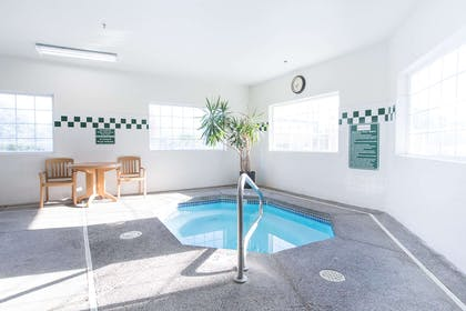 Indoor Pool Hottub | Red Lion Inn & Suites McMinnville