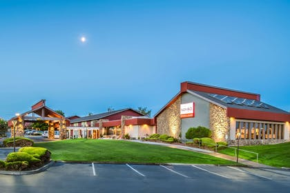 WAKENN Ext Booking | Red Lion Hotel Kennewick Columbia Center