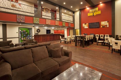 Hotel Lobby | Red Lion Inn & Suites Kent Seattle
