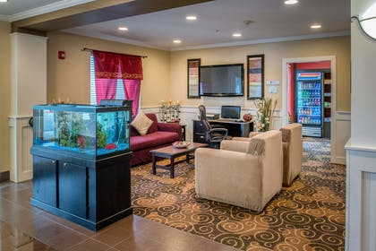 WAKNIS Lobby BusCent Snacks | Red Lion Inn & Suites Kennewick