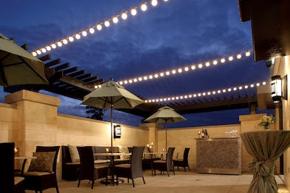 Bar Lounge | Hyatt Centric The Woodlands