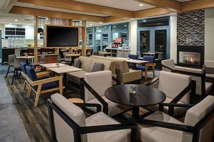 Bar Lounge | HYATT house Dallas/Lincoln Park
