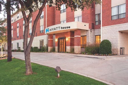 Exterior | HYATT house Dallas/Uptown