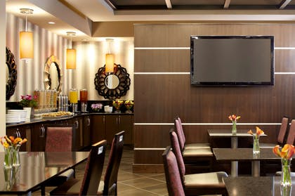 Restaurant | Hyatt House Philadelphia/King of Prussia