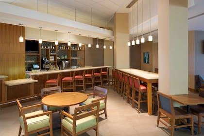 Bar Lounge | Hyatt Place Denver/Cherry Creek